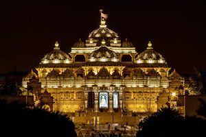 Nearest Metro Station To Akshardham Temple
