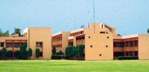 Nearest Metro Station to Satyawati College